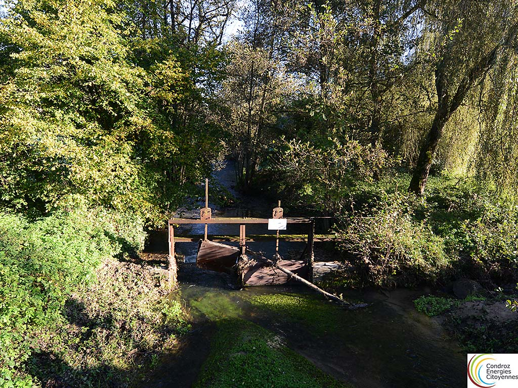 Les Avins Barrage avec ses vannes a restaurer